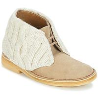 Boty Ženy Kotníkové boty Clarks DESERT BOOT Písková
