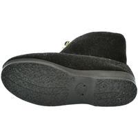 Boty Muži Papuče Mjartan Pánske papuče  LEO čierna
