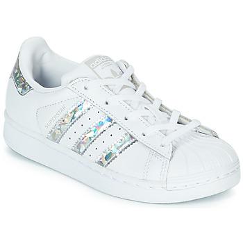 Boty Dívčí Nízké tenisky adidas Originals SUPERSTAR C Bílá / Stříbrná