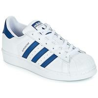 Boty Děti Nízké tenisky adidas Originals SUPERSTAR J Bílá / Modrá