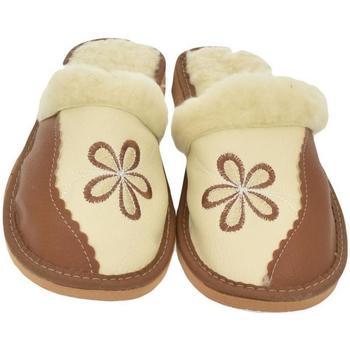 Boty Ženy Papuče John-C Dámske hnedé papuče SILVIA hnedá