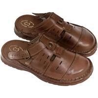 Boty Muži Pantofle John-C Pánske hnedé kožené šľapky MARC hnedá
