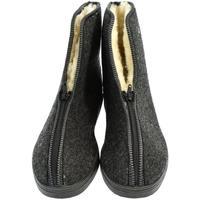 Boty Muži Papuče John-C Pánske sivé topánky LEO tmavosivá