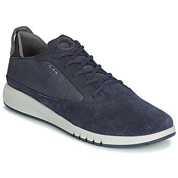 Boty Muži Nízké tenisky Geox U AERANTIS Tmavě modrá