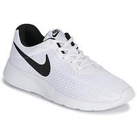 Boty Muži Nízké tenisky Nike TANJUN Bílá / Černá