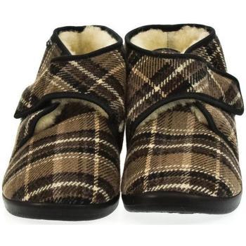 Boty Muži Papuče Mjartan Pánske papuče  MILAN hnedá