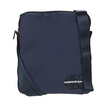 Taška Muži Malé kabelky Calvin Klein Jeans CKJ MONOGRAM NYLON MICRO FP Tmavě modrá