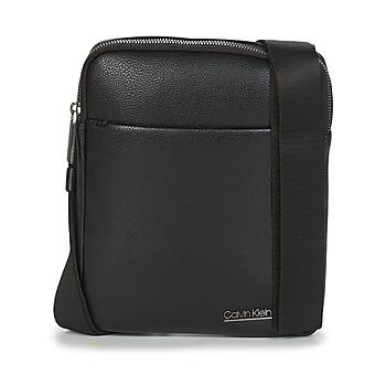 Taška Muži Malé kabelky Calvin Klein Jeans CK BOMBE' FLAT CROSSOVER Černá