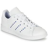 Boty Děti Nízké tenisky adidas Originals STAN SMITH J Bílá / Modrá