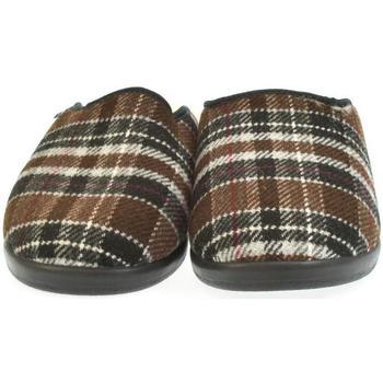Boty Muži Papuče Mjartan Pánske papuče  LEO 2 hnedá