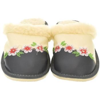 Boty Ženy Papuče John-C Dámske béžové papuče NINA béžová