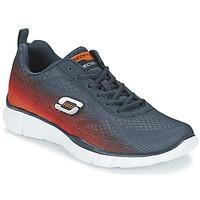 Boty Muži Multifunkční sportovní obuv Skechers EQUALIZER Tmavě modrá / Oranžová