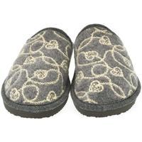 Boty Ženy Papuče John-C Dámske sivé papuče MILADA sivá