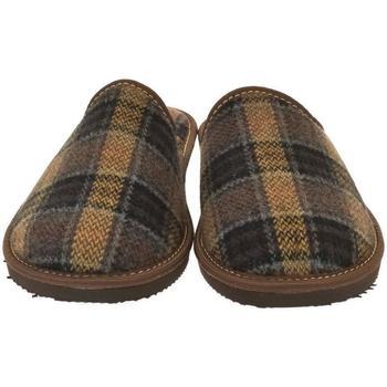 Boty Muži Papuče Bins Pánske hnedé papuče EDUARD hnedá