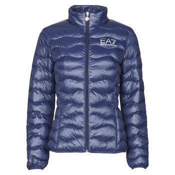 Textil Ženy Prošívané bundy Emporio Armani EA7 TRAIN CORE LADY W LT ECO DOWN JCKT Tmavě modrá