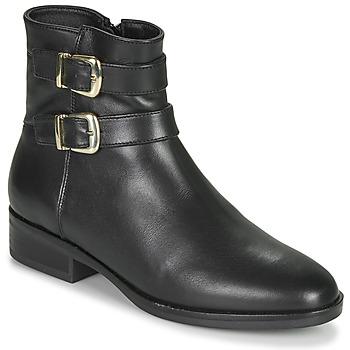Boty Ženy Kotníkové boty Clarks PURE MID Černá