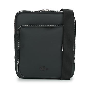 Taška Muži Malé kabelky Lacoste MEN'S CLASSIC CROSSOVER BAG Černá