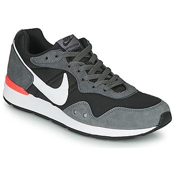 Boty Muži Nízké tenisky Nike VENTURE RUNNER Černá / Šedá / Bílá