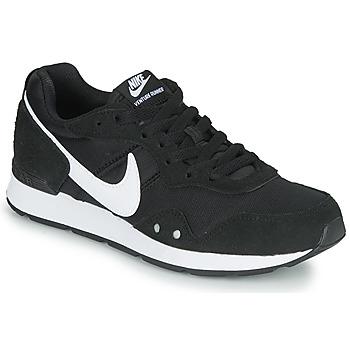 Boty Ženy Nízké tenisky Nike VENTURE RUNNER Černá / Bílá
