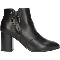 Boty Ženy Kotníkové boty NeroGiardini I013582DE Černá