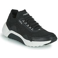 Boty Muži Nízké tenisky Skechers ENDURO-SILVERTON Černá