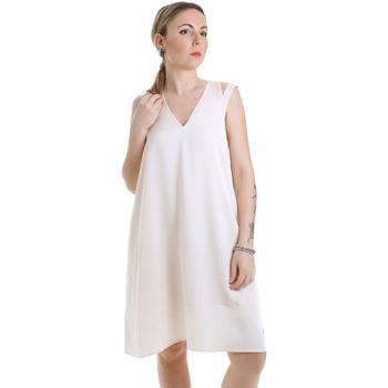 Textil Ženy Krátké šaty Calvin Klein Jeans K20K202022 Béžový