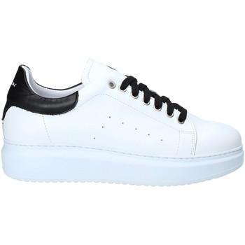 Boty Muži Nízké tenisky Exton 955 Černá