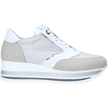 Boty Ženy Nízké tenisky Comart 1A3468 Stříbrný
