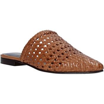 Boty Ženy Pantofle Marco Ferretti 161357MF Hnědý