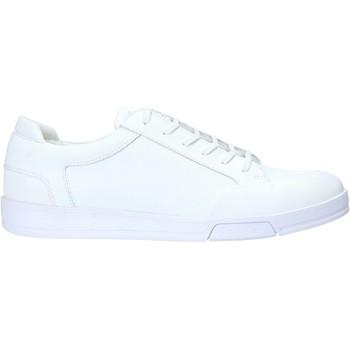 Boty Muži Nízké tenisky Calvin Klein Jeans F1854 Bílý