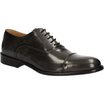 Boty Muži Šněrovací společenská obuv Exton 1371 Šedá
