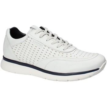 Boty Muži Nízké tenisky Impronte IM181025 Bílý