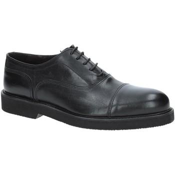 Boty Muži Šněrovací společenská obuv Exton 5496 Černá