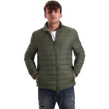 Textil Muži Prošívané bundy Invicta 4431683/U Zelený