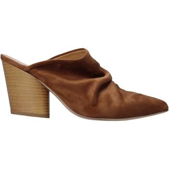 Boty Ženy Pantofle Grace Shoes 7241003 Hnědý