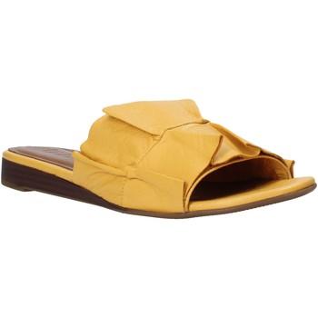 Boty Ženy Dřeváky Bueno Shoes N1908 Žlutá