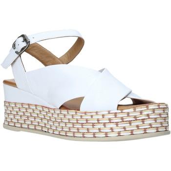 Boty Ženy Sandály Bueno Shoes Q5901 Bílý