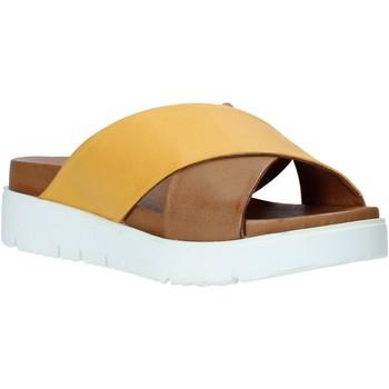 Boty Ženy Dřeváky Bueno Shoes 9N3408 Žlutá