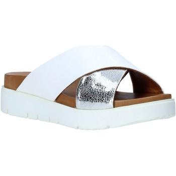 Boty Ženy Dřeváky Bueno Shoes 9N3408 Bílý