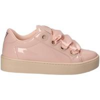 Boty Ženy Nízké tenisky Guess FLURN1 ELE12 Růžový