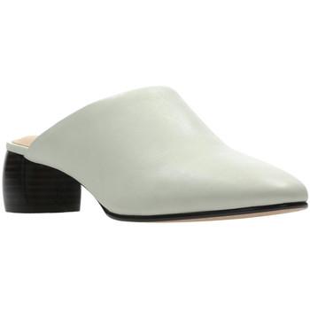 Boty Ženy Pantofle Clarks 26139384 Bílý