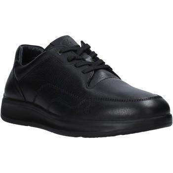 Boty Muži Nízké tenisky Grunland SC2955 Černá