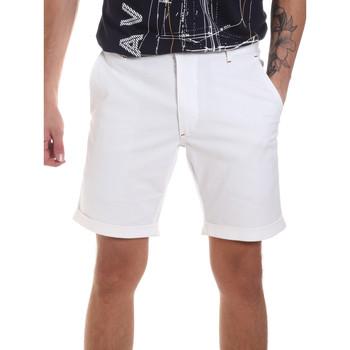 Textil Muži Kraťasy / Bermudy Gaudi 811FU25023 Bílý