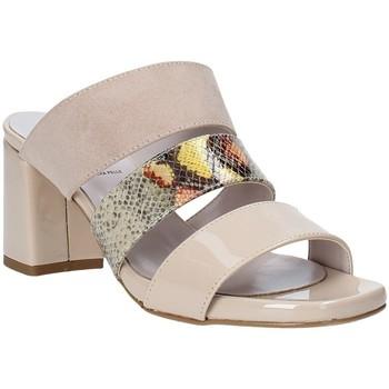 Boty Ženy Dřeváky Grace Shoes 116003 Béžový