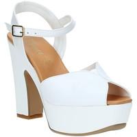 Boty Ženy Sandály Grace Shoes FLY Bílý