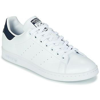 Boty Nízké tenisky adidas Originals STAN SMITH SUSTAINABLE Bílá / Tmavě modrá