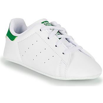 Boty Děti Nízké tenisky adidas Originals STAN SMITH CRIB SUSTAINABLE Bílá / Zelená