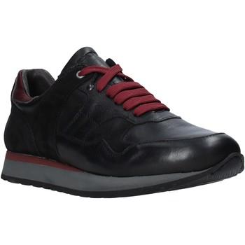 Boty Muži Nízké tenisky Exton 591 Černá