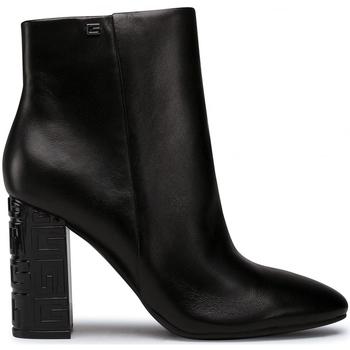Guess Kotníkové boty FL8LAR LEA09 - Černá