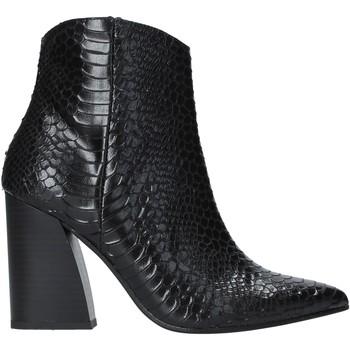 Boty Ženy Polokozačky Grace Shoes 724K004 Černá